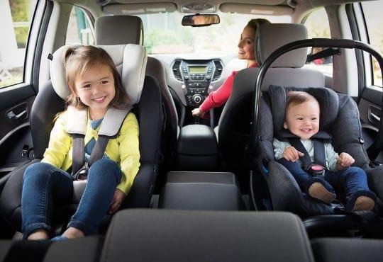Babyskydd och bilbarnstol